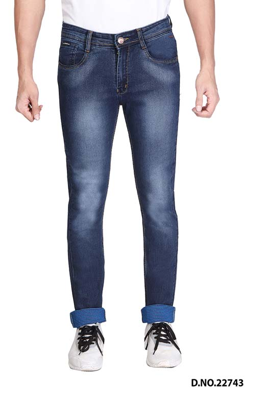 UTD 440301 -Dmx spray scrap KNITTED DENIM