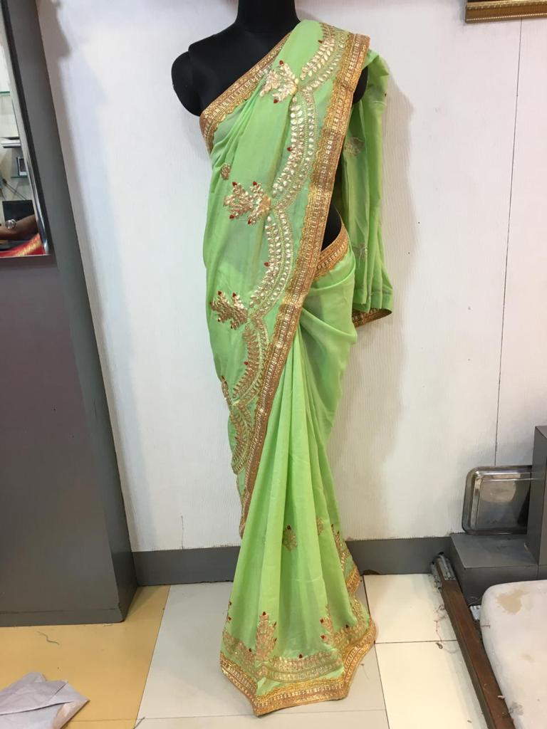 WOMEN SAREE WITH BLOUSE-PARROT GREEN-DF NECKLESS 2019